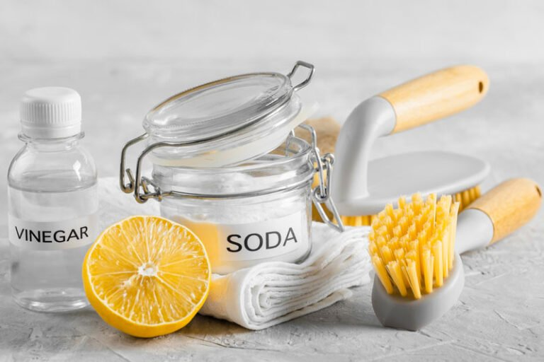 7 Ways to Clean with Baking Soda
